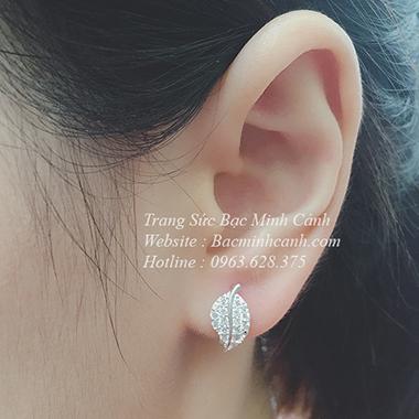 Bông tai hình lá đính đá BT016