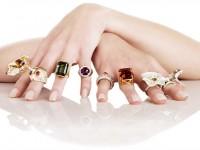 Ý nghĩa đeo nhẫn trên 5 ngón tay đầy đủ và chính xác