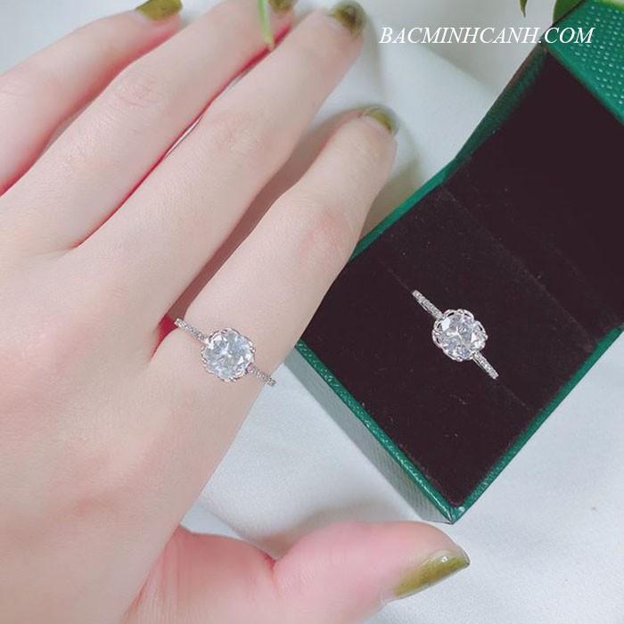 Nhẫn bạc nữ đính đá xinh NNU018
