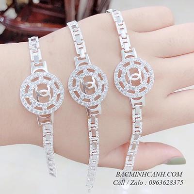 Lắc tay bạc nữ hình đồng hồ Chanel LTNU105