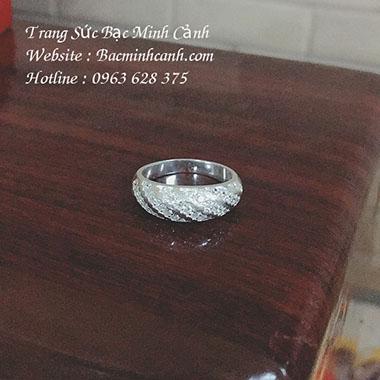 Nhẫn bạc nữ hình môi đính đá NNU070