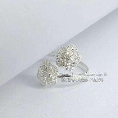 Nhẫn nữ hình hoa hồng free size NNU055
