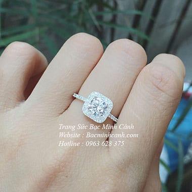 Nhẫn bạc nữ mặt đá vuông NNU078