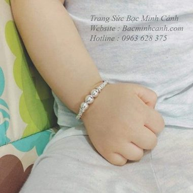 lac-tay-dua-3-bi-cho-be-203-2-380x380