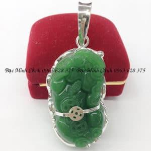 Mặt dây chuyền Tỳ Hưu nam đá xanh lá MN024