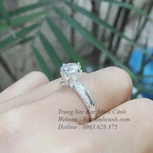 Nhẫn bạc nữ đá tròn cao NNU097