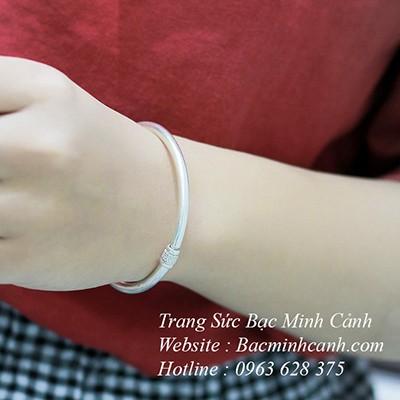 Vòng tay bạc nữ tròn trơn LTNU053