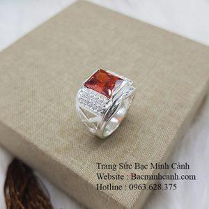 Nhẫn nam bằng bạc đá đỏ chữ nhật NN049