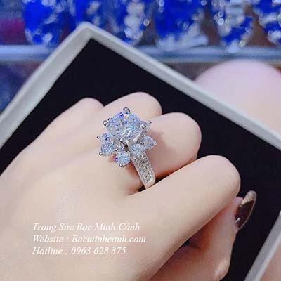 Nhẫn nữ bạc xi bạch kim đá to NNU127