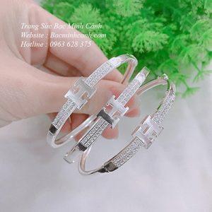 vong-tay-chu-h-Hermes-bang-bac-ltnu173-2-300x300